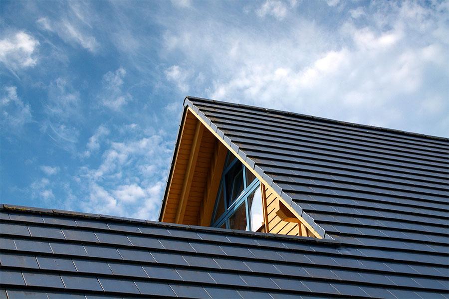 Dachdecker kleinformatige Faserzementplatten Dach Muenchen 2 - Dachdeckung mit kleinformatigen Faserzementplatten