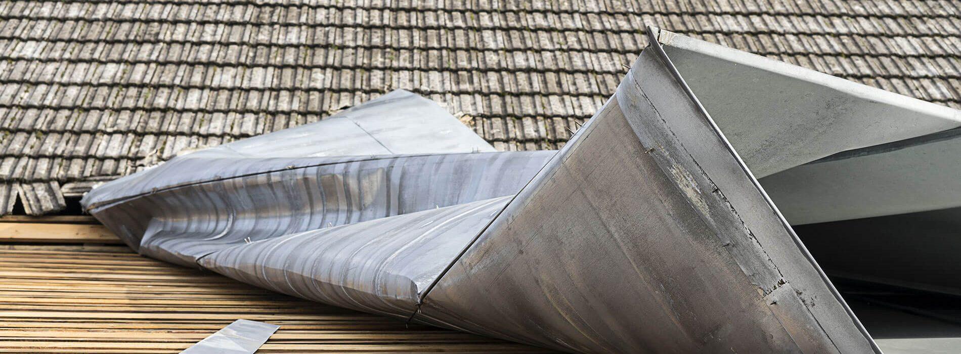 Sturmschaden Dachdecker Dach Muenchen